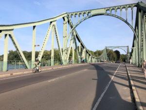Berliner Mauerweg Radtour 2020 Glienicker Brücke